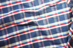 Fermez-vous de la chemise masculine de vintage, modèle à carreaux Image stock