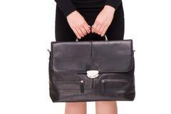 Fermez-vous de la femme d'affaires tenant la serviette Image libre de droits