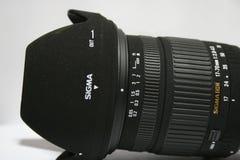 Fermez-vous de la lentille du sigma DSLR Image libre de droits