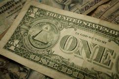 Fermez-vous de la monnaie fiduciaire photos libres de droits