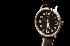 Fermez-vous de la montre-bracelet de Timex images libres de droits