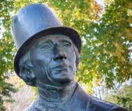Fermez-vous de la statue de Hans Christian Andersen Photo libre de droits