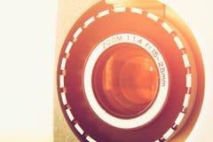 Fermez-vous de la vieille lentille de projecteur de film de 8mm Photo libre de droits