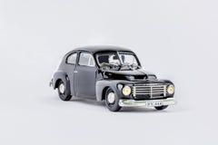 Fermez-vous de la voiture classique noire de vintage, modèle d'échelle Photo libre de droits