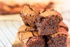 Fermez-vous des 'brownie' de chocolat Photos stock