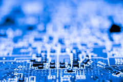 Fermez-vous des circuits électroniques en technologie sur le panneau de logique de fond d'ordinateur de Mainboard, carte mère d'u images libres de droits