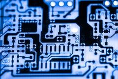 Fermez-vous des circuits électroniques en technologie sur le panneau de logique de fond d'ordinateur de Mainboard, carte mère d'u photo stock