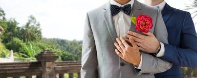 Fermez-vous des couples gais masculins heureux Images stock