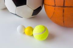 Fermez-vous des différentes boules de sports réglées Image stock