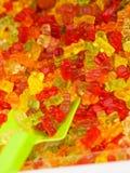Fermez-vous des dragées à la gelée de sucre d'ours de nounours photographie stock libre de droits