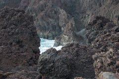 Fermez-vous des falaises photographie stock