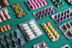 Fermez-vous des médecines et des pilules Image libre de droits