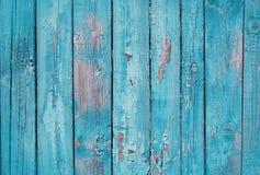 Fermez-vous des panneaux en bois bleus de barrière Images libres de droits
