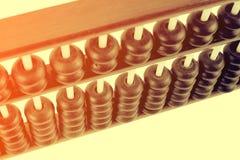 Fermez-vous des perles en bois d'un abaque Foc sélectif Photos libres de droits