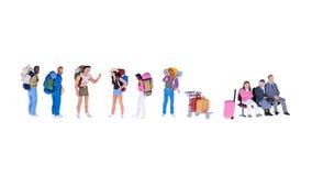 Fermez-vous des personnes miniatures de randonneur et de touriste Photos libres de droits