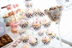 Fermez-vous des petits gâteaux délicieux Photographie stock libre de droits