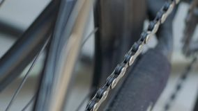 Fermez-vous des pièces de bicyclette clips vidéos