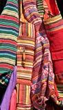 Fermez-vous des sacs et des poches colorés de tissu Image stock