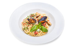Fermez-vous des spaghetti de fruits de mer Photographie stock
