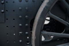 Fermez-vous des vieilles roues d'un train Photo libre de droits