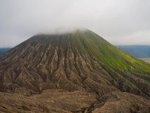 Fermez-vous du bâti Bromo, le bâti actif Bromo est l'une des attractions touristiques les plus visitées dans Java-Orientale Photos stock