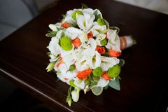 Fermez-vous du bouquet en pastel de mariage - fond Image stock