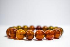 Fermez-vous du bracelet en pierre ( ; Pierre Dragon Scales ) ; : Cadeaux pour vos aimés photographie stock libre de droits