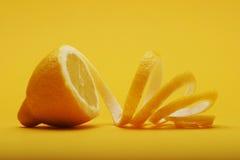 Fermez-vous du citron sur le fond blanc Photo libre de droits