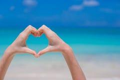 Fermez-vous du coeur fait à la main Image libre de droits