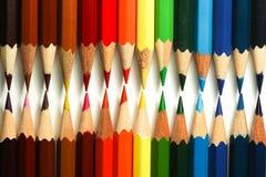 Fermez-vous du crayon de couleur de deux rangées Image stock