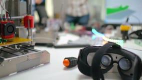 Fermez-vous du détail d'impression de l'imprimante 3d pour le robot clips vidéos