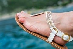 Fermez-vous du doigt de pied humain avec une boursouflure Photographie stock libre de droits