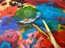 Fermez-vous du painter& x27 ; palette de s photographie stock libre de droits