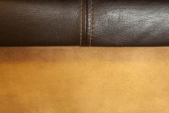 Fermez-vous du tissu cousu de cuir et de suède Photographie stock libre de droits