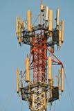 Fermez-vous sur l'antenne de télécommunication Photographie stock libre de droits