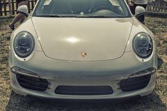 Fermez-vous sur le carrera s de Porsche 911 Images libres de droits