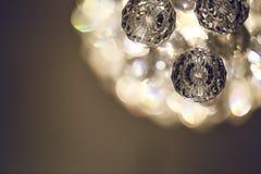 Fermez-vous sur le lustre éclatant de verre cristal Photo libre de droits