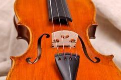 Fermez-vous vers le haut d'un violon Images libres de droits