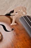 Fermez-vous vers le haut d'un violoncelle Photographie stock libre de droits