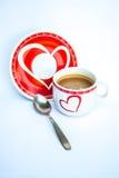 Fermez-vous vers le haut d'une cuvette de café sur le fond blanc Photo stock