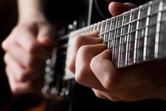 Fermez-vous vers le haut d'une guitare électrique Image libre de droits