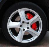 Fermez-vous vers le haut d'une roue de véhicule Photo stock
