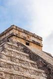 Fermez-vous vers le haut de Chichen Itza, pyramide maya, Yucatan, Mexique Image libre de droits
