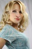 Fermez-vous vers le haut de l'adolescent blond Photos stock