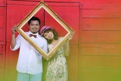 Fermez-vous vers le haut de l'amour de couples avec le concept de vintage Photo stock