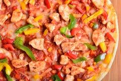 Fermez-vous vers le haut de l'image d'une pizza savoureuse de BBQ Photo libre de droits