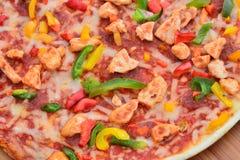 Fermez-vous vers le haut de l'image d'une pizza savoureuse de BBQ Photographie stock