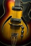 Fermez-vous vers le haut de l'image de la guitare électrique Images libres de droits