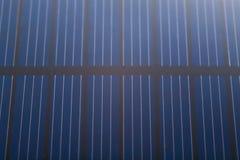Fermez-vous vers le haut de la batterie de pile solaire Photos stock