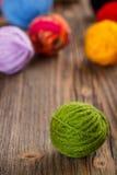 Boucle de laine verte Photo stock